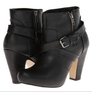Madden Girl Leather Sharpen Boots - Black